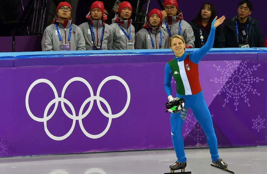 Legendary Fontana! Bronze medal in the 1000, 10th podium for Italy. The second best Italian athlete ever at the Winter Olympics in terms of medals won