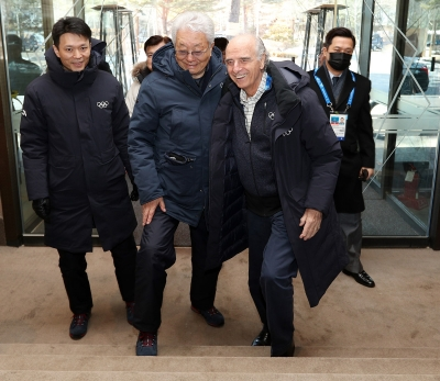 IOC members Pescante and North Korean Chang Ung meeting