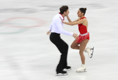 The artistic pairs in the short program